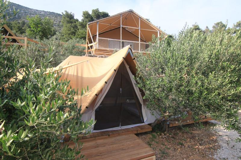 Bell Lux House Tent  9